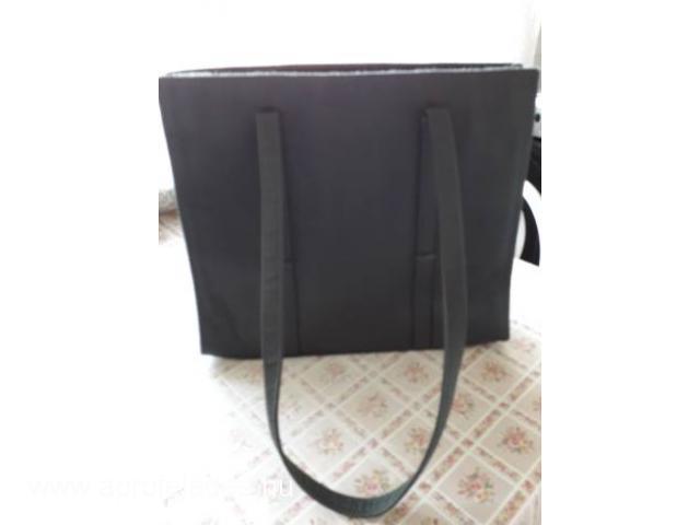 nöi  táskák